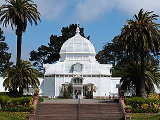 Das Conservatory of Flowers im Golden Gate Park, San Francisco. © HarshLight